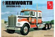 Kenworth W925 Semi Trucker 1/25